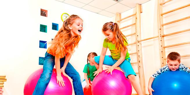 Temporalización del entrenamiento en niños desde edad temprana hasta la adolescencia.